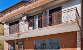 Samostojeća kuća u Bujama s prekrasnim pogledom