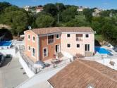 Istra, Kaštelir, kuća sa dva stana , prilika