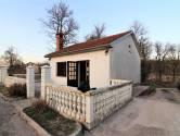 MATULJI, PERMANI- samostojeća kuća 65 m2 sa terasom i parkingom